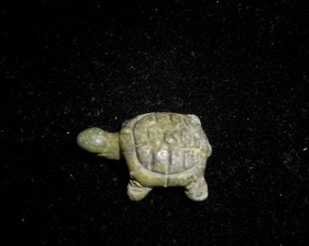 GREEN SERPENTINE TURTLE*Miniature Gem Carving