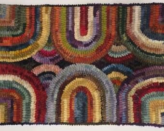 Hand hooked wool rug 18.5