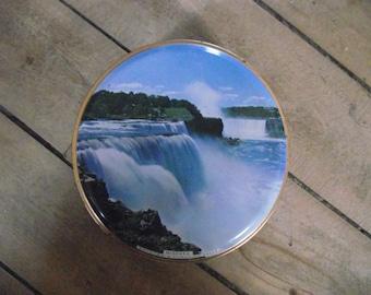 Vintage NIAGARA FALLS Tin,Vintage Candy Tin,Collectible Tin,Can,Container,Box,Biscuit Tin,Canadian Souvenir,Niagara Falls
