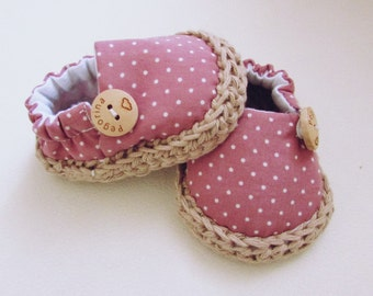 Newborn shoes, baby girl shoes, pink crib shoes, newbaby gift, soft sole pink shoes, baby girl espadrilles, baby shoes, pink baby shoes