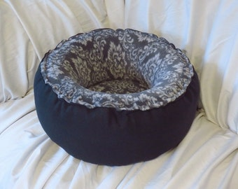 """18"""" SUPER Plush *Damask-Gray* Round cat bed / dog bed / pet bed."""
