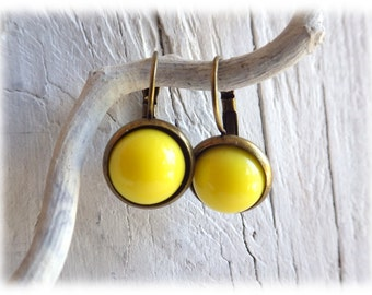 Earrings Brisur cabochon in yellow vintage style with cabochon