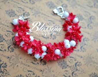 Red flowers bracelet, Red flower jewelry set, White quartz beads, Red wedding jewelry, Red and white jewelry set, Natural gemstone bracelet