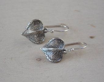 Tiny Leaf Earrings / Leaf Earrings / Silver Leaf Earring / Sterling Silver Earrings / Rustic Earrings / Flower Petal Earring / Leaf Jewelry