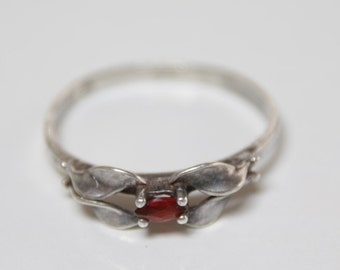 Delicate Victorian Marquise cut red garnet and sterling silver ring  / Victorian Gothic / garnet ring / Gothic red garnet / delicate band