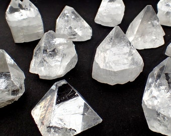 ONE Apophyllite crystal from India - clear point stone piece natural crystals pyramid stones