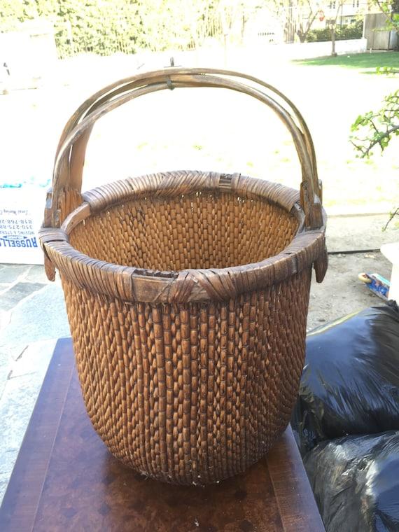 Antique Primitive Woven Basket w/handle
