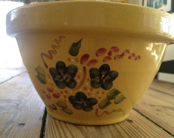 Robinson Ransbottom vintage yellow 2 quart mixing bowl