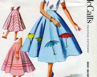 1950s Circle Skirt Pattern / Umbrella Applique Design with Rhinestones / Novelty Skirt / Vintage Sewing Pattern / McCall's 1948 Waist 26