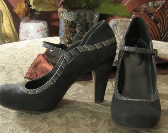 X-Appeal Grey Soft Suede High Heel - Size 7 1/2 M