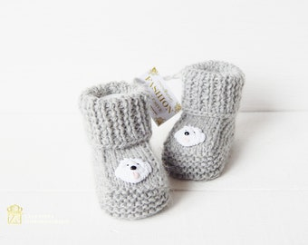 Baby booties. Knitted baby booties. Crochet baby booties