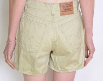 90's Levi Strauss pale green shorts, high waisted shorts, vintage Levi's shorts size medium