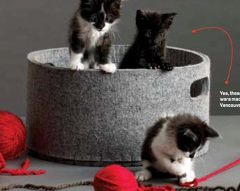 100% woolfelt  grey cat basket