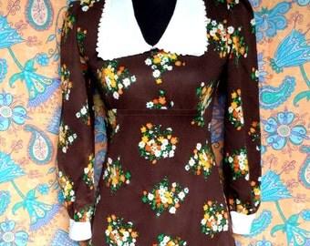 Vintage 60s 70s Mod Twiggy Psych Hippie Boho Dark Brown Floral Print White Peter Pan Collar & Cuffs Babydoll Mini Dress Small