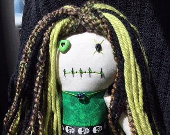 """Creepy n Cute Zombie Doll - """"Ghoulishly Green Skulled"""" Gal (P)"""
