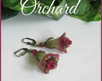ORCHARD Lucite Trumpet Flower Earrings, Victorian Earrings, Pink Green, Czech, Antique Brass, Vintage Style, Wedding, Handmade, Ravengirl