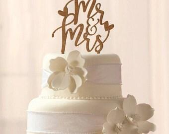 ON SALE! Wood Mr & Mrs cake topper
