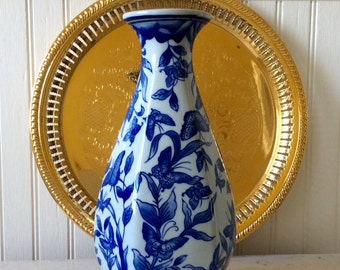 Vintage Blue & White Porcelain Butterfly/Floral Vase, French Country, Chinoiserie, Hollywood Regency, Cottage, Farmhouse, Home Decor
