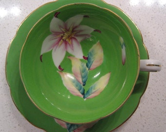 Vintage Trimont teacup and saucer - made in Japan - Handpainted - Star gazer lily - 1940s - Occupied Japan - Electric Lime - Gold gilding