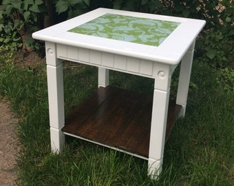 Green Floral Print Pallet Accent Side Table