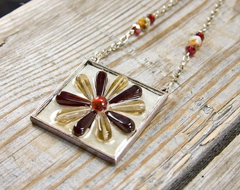 Red flower necklace, resin flower, pendant necklace, bohemian jewelry, boho chic necklace, red pendant, hippie style, bohemian gypsy, retro