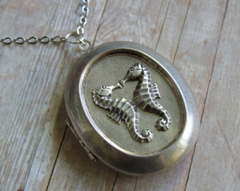 Seahorse Locket Necklace, Kissing Seahorses, Seahorse Lovers, Antique Silver Jewelry, Beach Jewelry