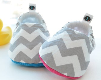 Baby Shoes: Chic Chevron // baby slippers, baby booties, baby booty, crib shoes, new baby, shower gift, baby gift