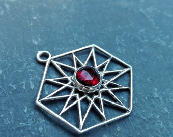 Beautiful sterling silver gemstone pendant with a garnet