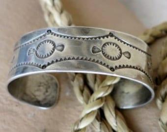 Early Navajo Bracelet, handmade, 33 Grams, Thick Sterling Silver