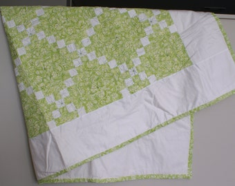 Key Lime Irish Chain Quilt