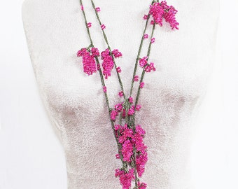 Vintage Lariat Necklace with Wonderful Dangling Seed Beaded Grapes and Flowers