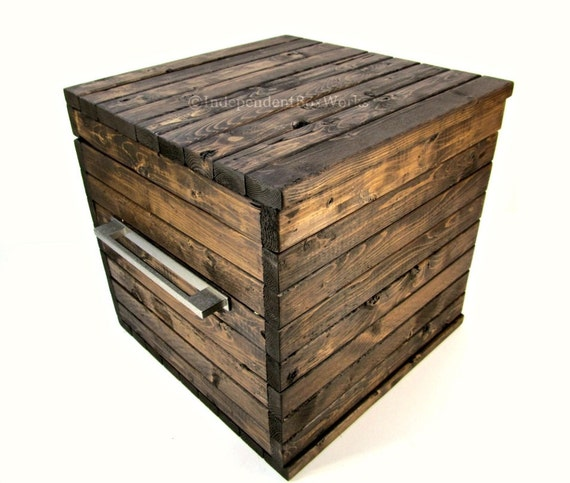 caisse de style bo te en bois avec couvercle et moderne m tal. Black Bedroom Furniture Sets. Home Design Ideas