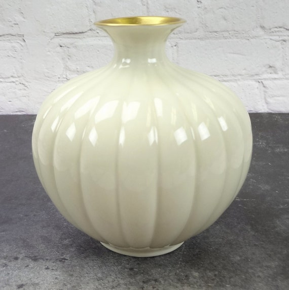 Lenox Bud Vase With Gold Trim