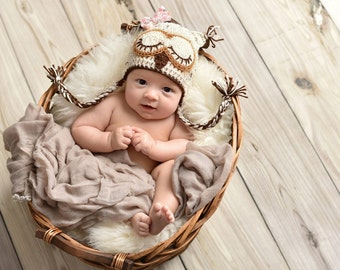 Crochet - OWL HAT - great BABY gift - photo prop!