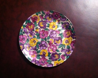 "Glass Decoupage Plate with Violet Flower Print Fabric - 8"" x 8"""