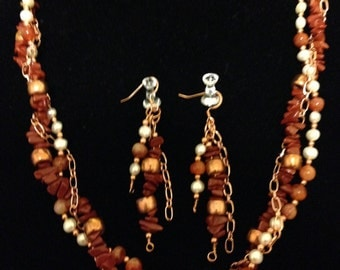 Twist It Up Necklace and earrings