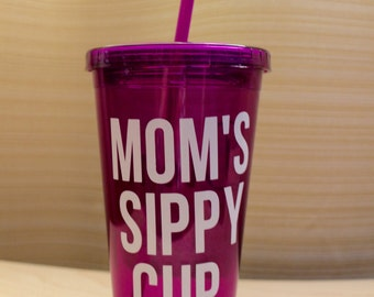 MOM's sippy cup with name on the back/mom/grandma/friend/daughter/gifts/icecoffeelover