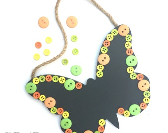 Chalkboard buttons frame - chalkboard paint - butterfly - button - gifts ideas - birthday ideas - decoration for home - pastel colours