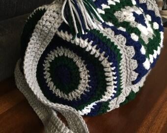 Small Weekend Bag / Overnight Bag / Duffel Bag / Crochet Duffel Bag / Handmade Duffel Bag / Small Duffel Bag / Granny Square Bag