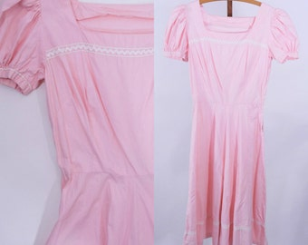 "1940s cotton dress   light pink puff sleeve ric rac cotton day dress   vintage 40s dress   W 24"""