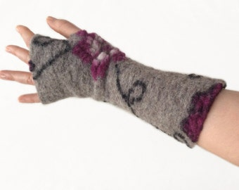 Fingerless Gloves, Wool Arm Warmers,  Wrist Warmers, Wool Fingerless Mittens, Wool Fingerless Gloves in Grey and Purple, Gauntlets