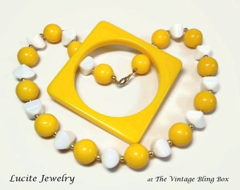 Single Strand Mod Beaded Necklace & Bracelet with Mellow Yellow Square Bangle Demi Parure - Vintage 60's Lucite Costume Jewelry Sets