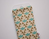 Triangles & Leaves Case iPhone 4 5s 6 6s 6 Plus 6s Plus iPod Classic HTC One A9 M9 LG G4 Galaxy S6 Sony Xperia Z5 Compact Nexus 5X 6P Sleeve