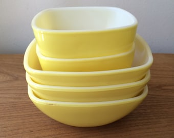 Set of 5 Small Yellow Pyrex Square Bowls