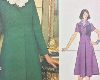 "Vogue 1186 Teal Traina Dress High Waisted A line Dress 1970s Americana Sewing Pattern Size 12 Bust 34"""