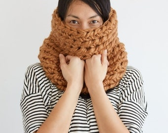 Chunky Cowl Scarf in Gold