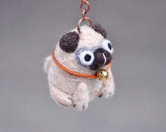 Needle felted Pug keychain, Pug dog keychain, pug figurine, needle felted dog, pug miniature, pug gift, dog lover gift, pug accessories