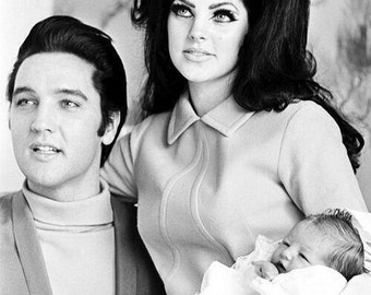 "A Black &White  5"" X 7"" Print of ELVIS Presley Vintage  Reproduction Print 1968 Priscilla Lisa Marie holding Lisa Marie's House Warming gift"