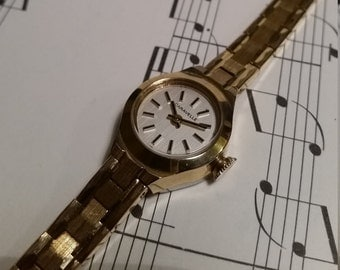 Caravelle Vintage Gold Women's Watch. Gold Bracelet Watch. Caravelle Ladies Watch. Womens Vintage Gold Watch. Ladies Gold Bracelet Watch.