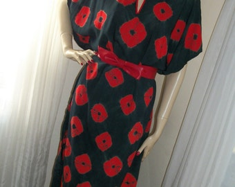 1940s Style Vintage Caftan or Day Dress Cute Red Poppy Print with Belt One Size Orig Creation